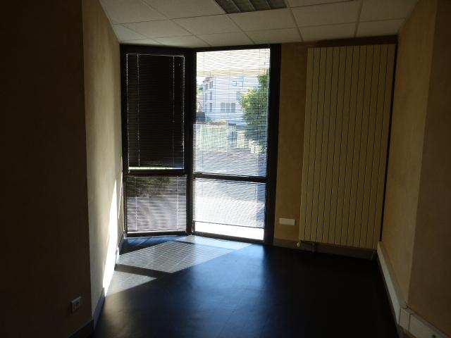 Bureaux a vendre rodez pièces m² immobilier yves passaga