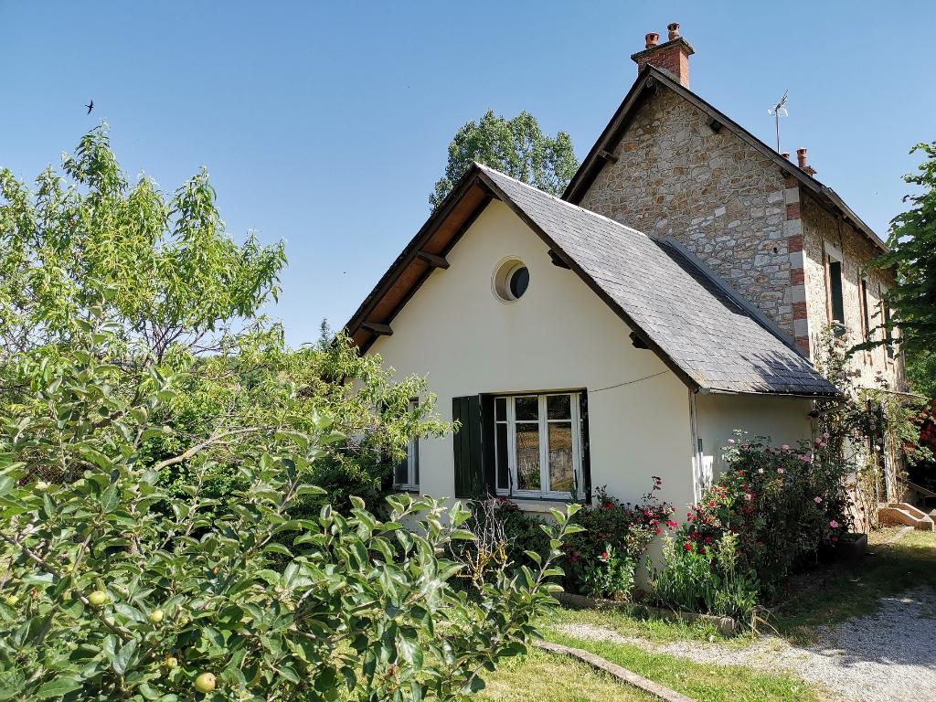 Maison COUSSERGUES - 4 pièce(s) - 93.97 m² - Terrain 500 m² - Cave & garage