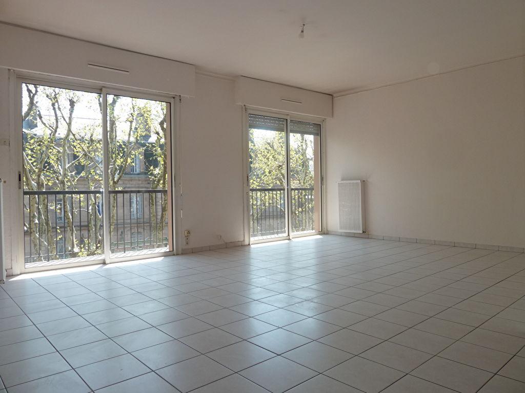 VENDU - Merci de votre confiance - Rare RODEZ Tour de ville - Appartement  - 4 pièce(s) - 96.74 m2