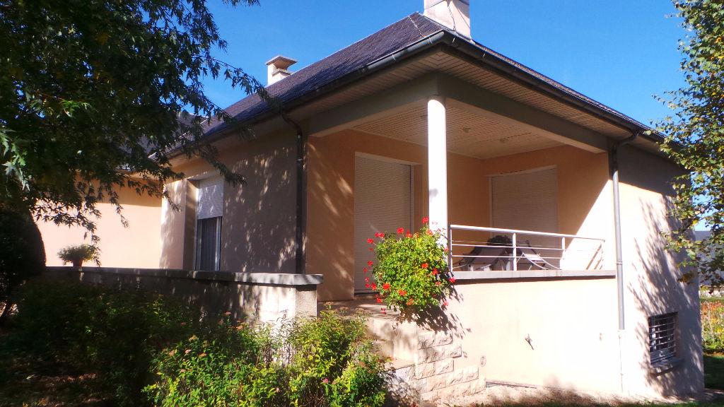 - VENDU - Maison d'Architecte à Laissac, 5 pièces, 154 m2 habitables