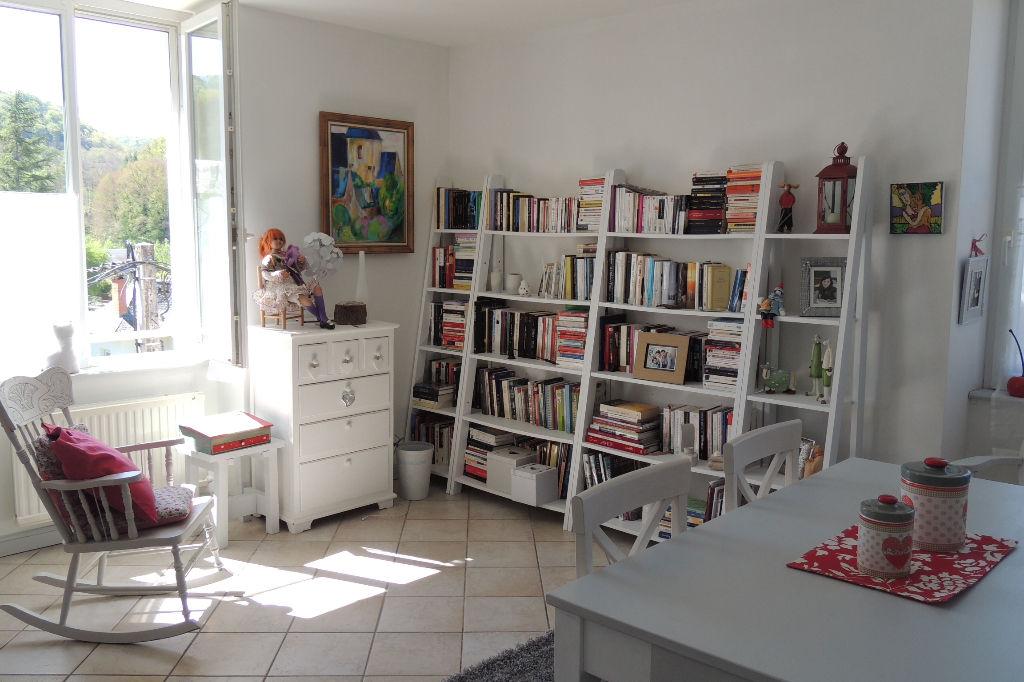 - SOUS COMPROMIS - Appartement Saint Geniez d'Olt  T4  DUPLEX 95 m2