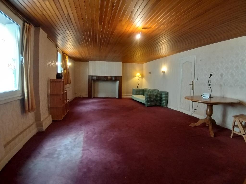 - A VENDRE - Appartement 3 pièces dans petit collectif - RODEZ