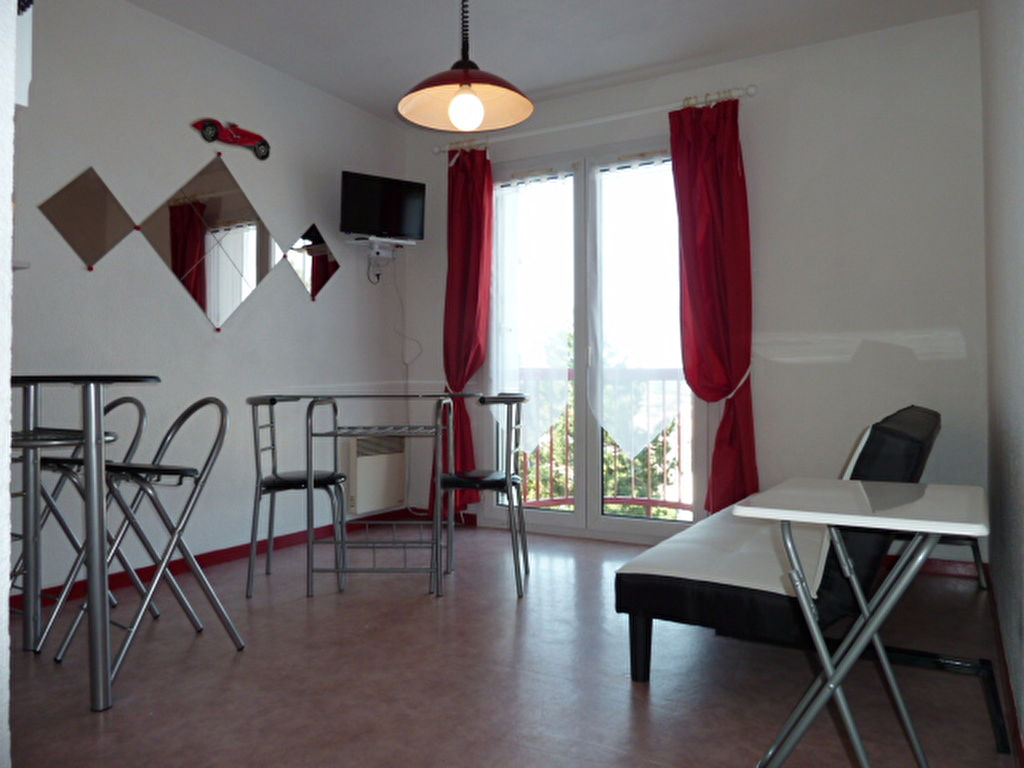 - VENDU - Appartement Rodez 1 pièce 18.20 m2