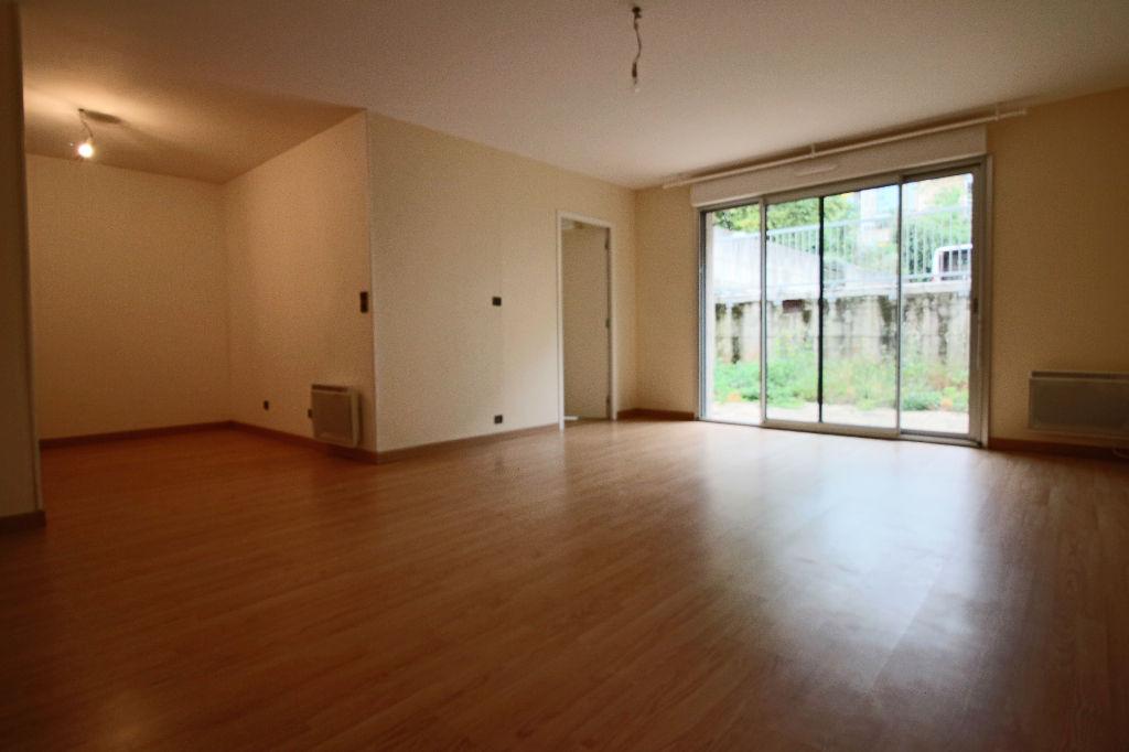 - VENDU- Appartement, 2 pièces - RODEZ