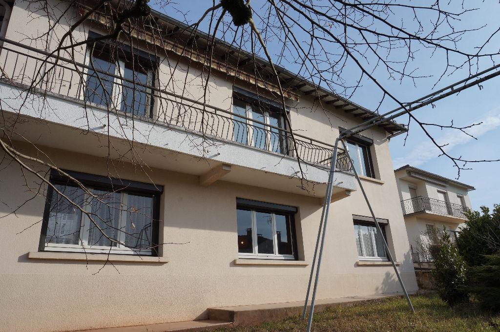 - A VENDRE - Maison 6 pièces, garage, jardin clos arboré - ONET LE CHATEAU
