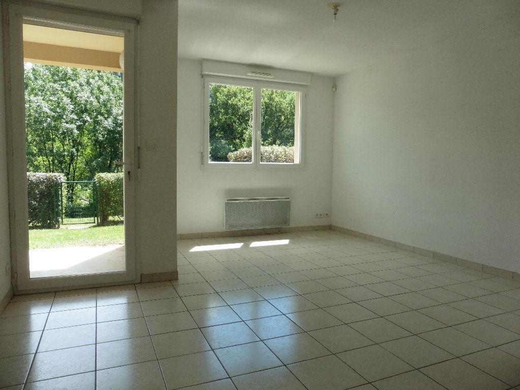 - A VENDRE -  Appartement T3 , terrasse, jardin, 2 parkings- ESPALION