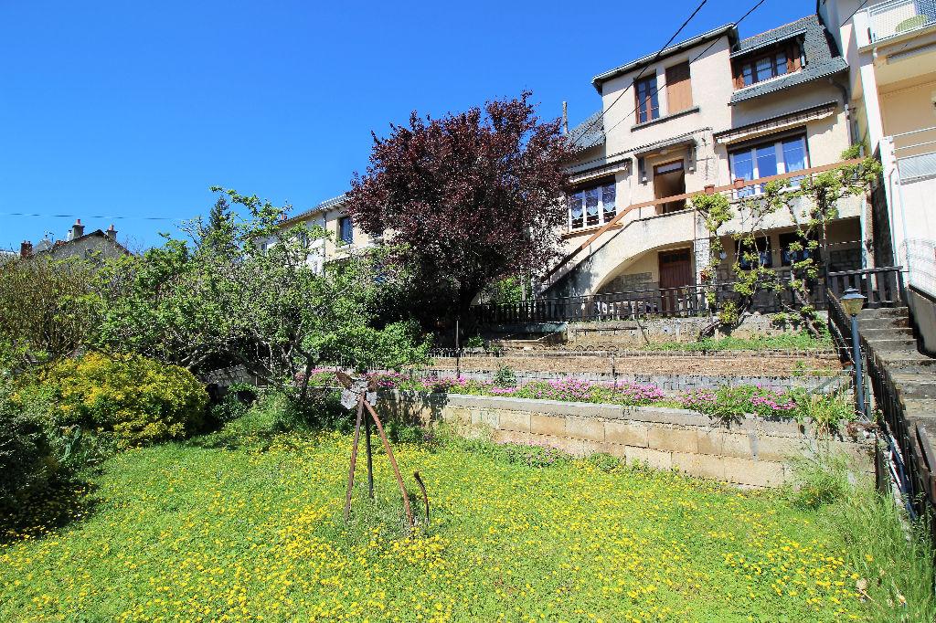 - A VENDRE - Maison 5 pièces, jardin, 2 garages, vue sur la Cathédrale - RODEZ