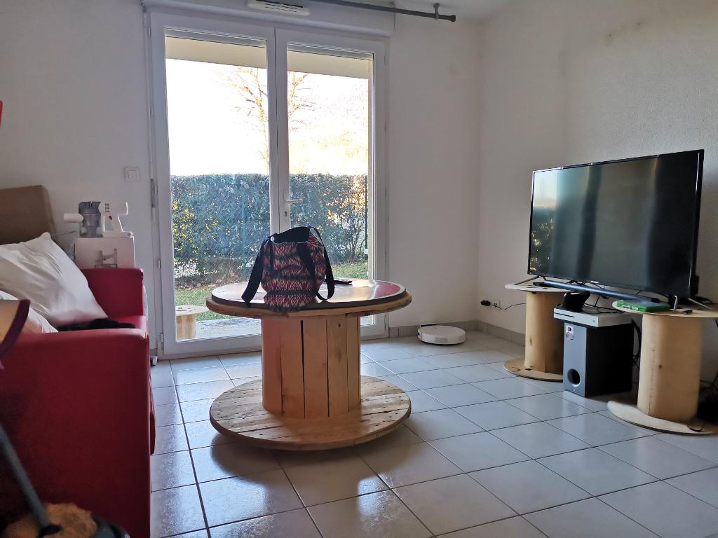 - A VENDRE - Appartement 2 pièces, jardin, parkings - ESPALION