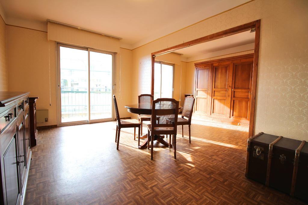 - A VENDRE - Appartement  3 pièces, cave et garage - RODEZ