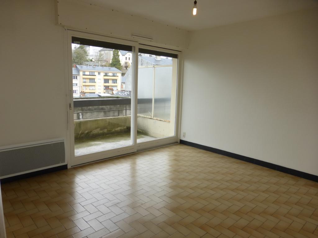 - A VENDRE - Appartement 2 pièces, cave et garage - RODEZ