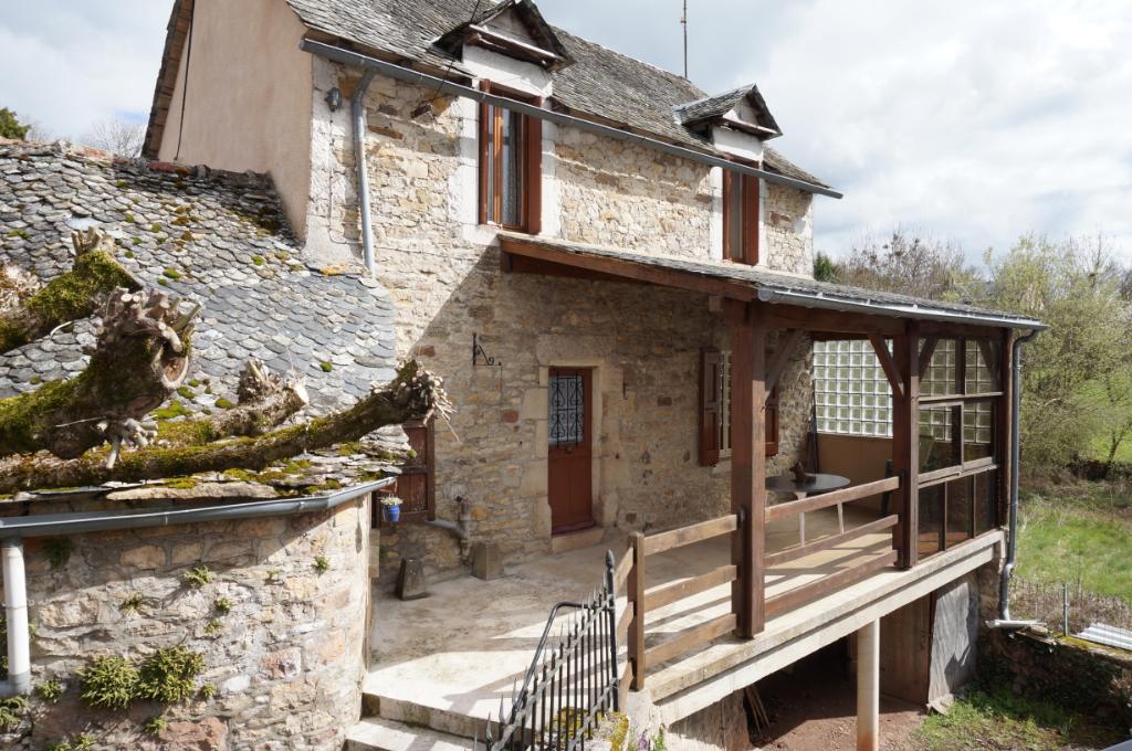 - A VENDRE - Maison  3 pièces, jardinet, grange, atelier - BERTHOLENE