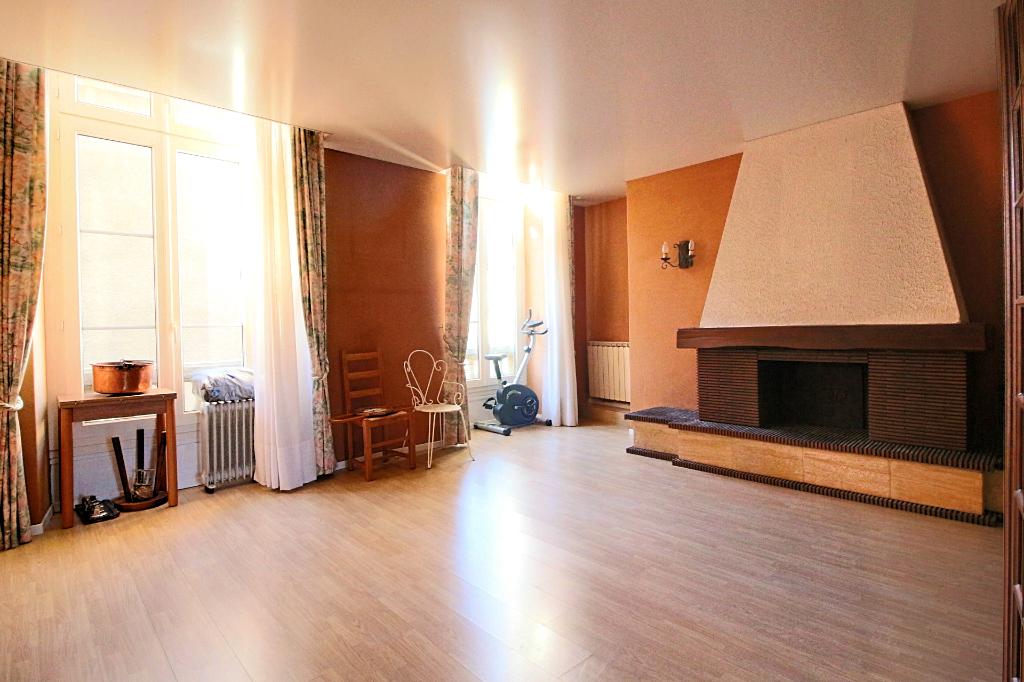 - A VENDRE - Appartement 4 pièces et appartement 1 pièce - RODEZ
