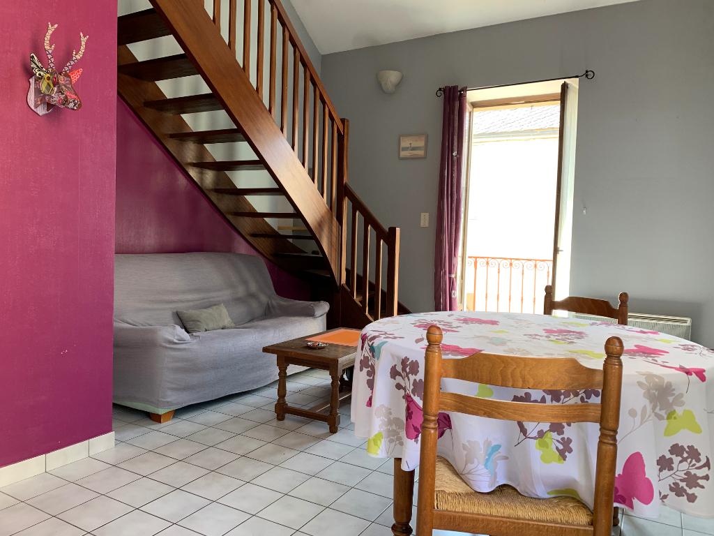 - A VENDRE - Appartement T3 duplex avec mezzanine, balcon - SEVERAC D'AVEYRON